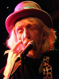 Daevid Allen with Hugh Hopper & Pip Pyle - Brainville Live In The UK